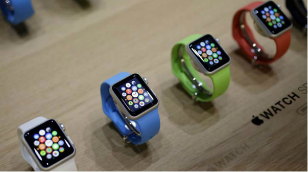 smartwatch-hand-red-blue-green-red-color-smartwatches