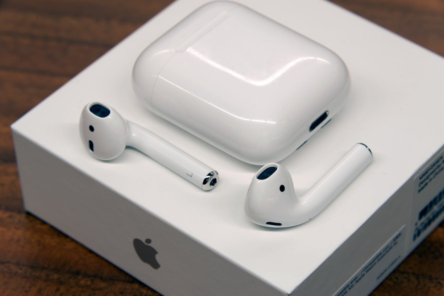 apple-airpods-with-packing-box-configure-now