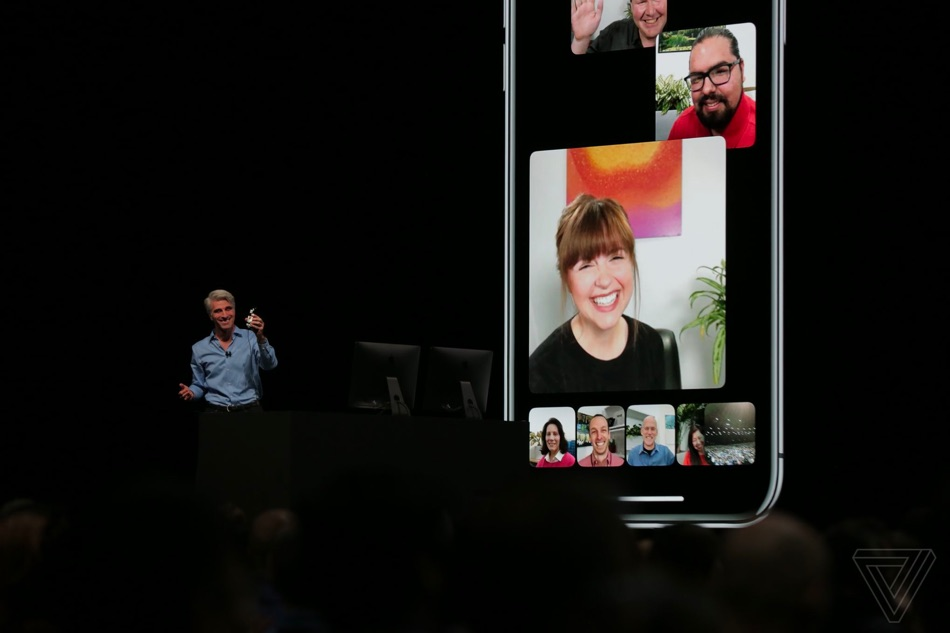 do-facetime-with-group-of-people